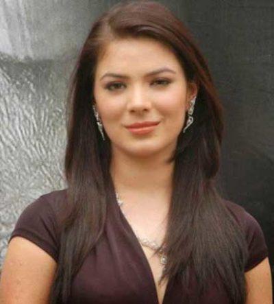 Zeenat real name Urvashi Sharma cast on Amma Zee World