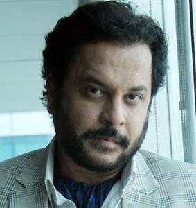 Mahesh-Thakur-as-Tej-cast-on-Game-of-Love-StarLife