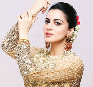 Shraddha Arya as Preeta Arora Cast on This is Fate
