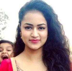 Simran actress Cast on The heir Zee World