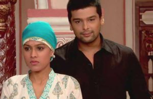 Virat comforts Maanvi in her treatment The Inseparable on StarLife