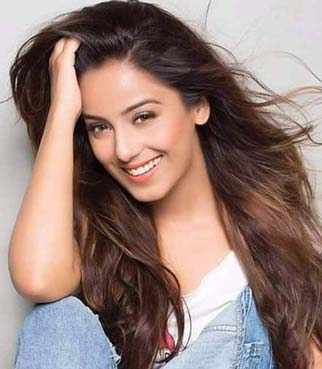 Sarita Realname Srishty Rode cast on Married Again Season 2 Zee World
