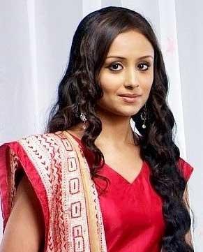Divya Real Name Anupriya Kapoor cast on lady luck Zee World