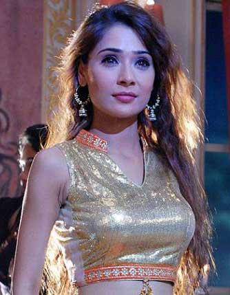 Pavitra Realname Sara Khan cast on lady luck Zee World