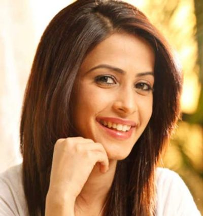 Avni Realname Dimple Jhangiani Actress cast on Snatched Zee World