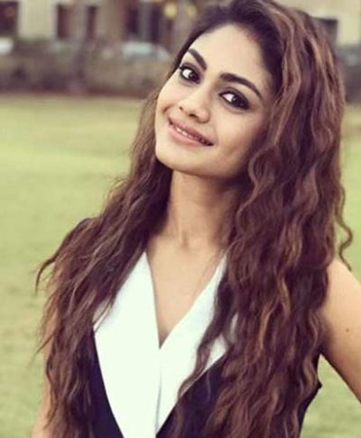 Shreya Realname Sreejita De Actress cast on Snatched Zee World