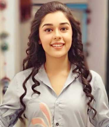 Zara Real name Eisha Singh Actress cast on Zaras Nikah Zee World