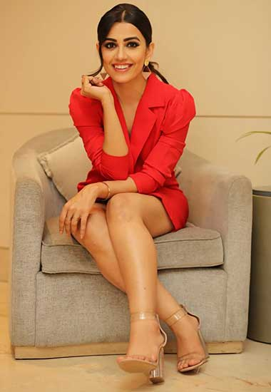 Kritika Kittu Real Name Esha Kansara Cast on Brave And Beautiful Starlife